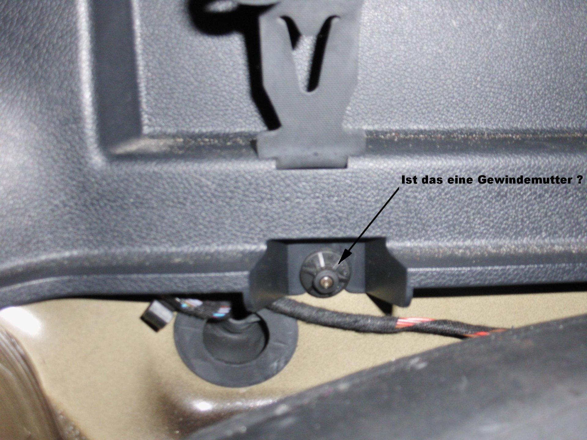 Kofferraum-Verkleidung 2.jpg
