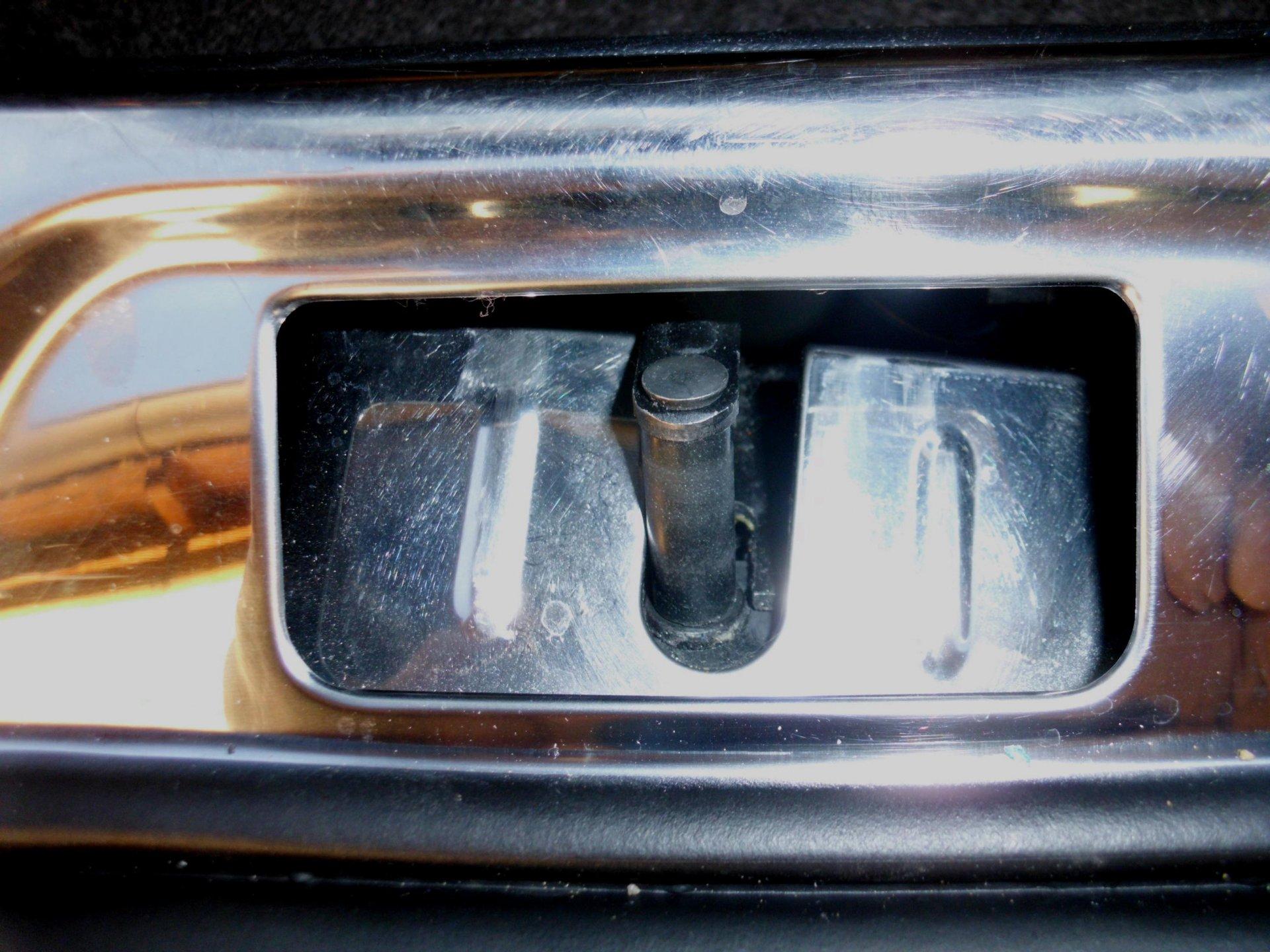 Kofferraum-Verriegelung.jpg