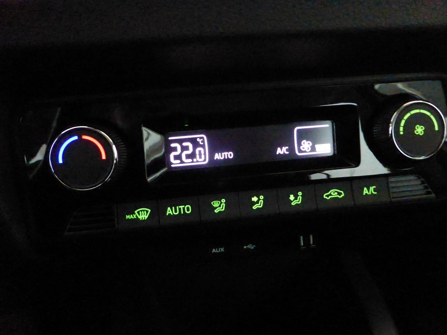 Wunderbar Fahrzeugverdrahtungsdatenbank Bilder - Schaltplan Serie ...