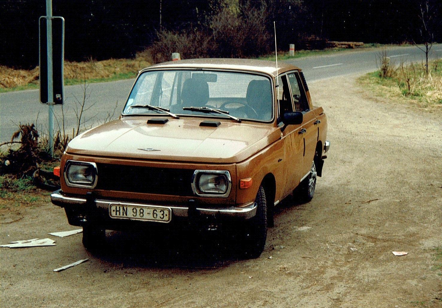 Wartburg-353_Limousine.jpg