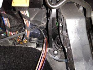 06 Kabel durch Tülle.jpg