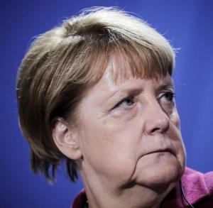 Merkel-und-Hollande-nach-dem-Treffen-im-Normandie-Format.jpg