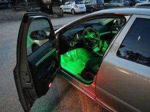 Fußraumbeleuchtung1.jpg