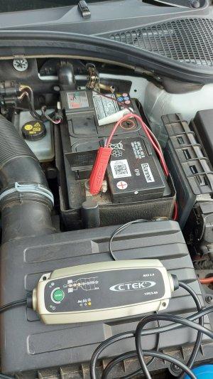 Batterie laden.jpg