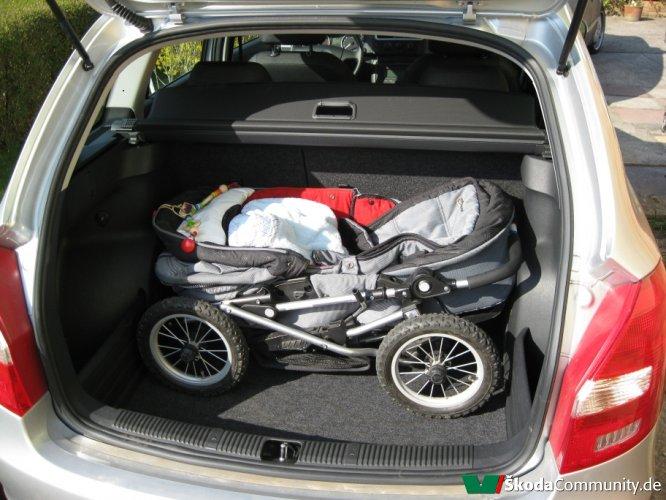 mazda 3 kofferraum kinderwagen auto bild idee. Black Bedroom Furniture Sets. Home Design Ideas